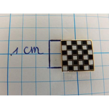 Pin checkerboard pattern square