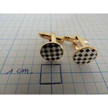 Cufflinks checkerboard pattern round
